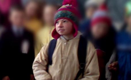 Povestea lui Stefan, copilul sarman care a disparut de o saptamana, cand a inceput sa ninga puternic