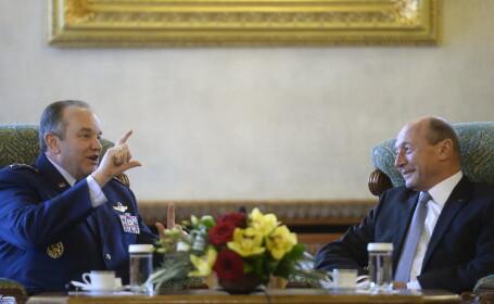 Traian Basescu si generalul NATO Philip M. Breedlove