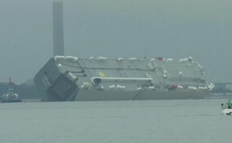 Nava din Singapore cu 1.400 de masini la bord, esuata intentionat. Explicatia data de directorul companiei maritime