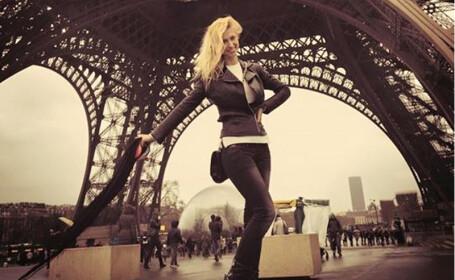 Andreea Balan la Turnul Eiffel in 8 ianuarie