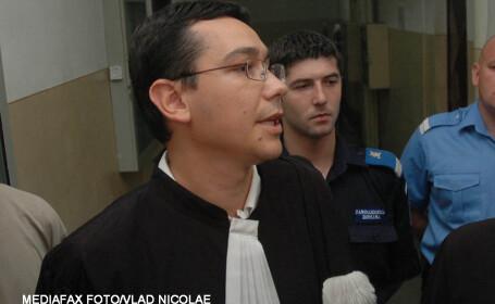 Victor Ponta avocat in 2005, pe cand il apara pe Tender