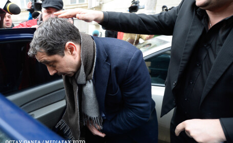 Fostul ministru de interne Cristian David a fost RETINUT. Ar fi luat o mita de 500.000 EUR in biroul sau de la minister
