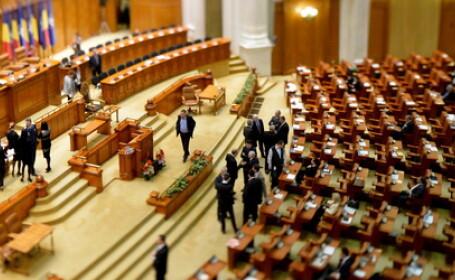 Remus Cernea cauta din nou o solutie pentru parteneriatul civil. Un senator PNL a incurcat xenofobia cu homofobia