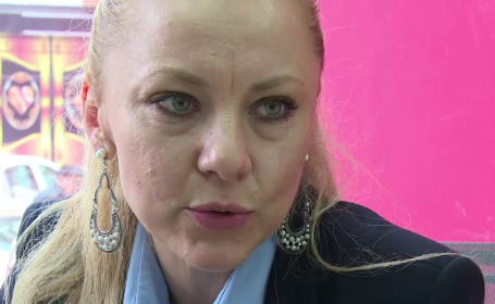 Cum a ajuns sa arate o avocata din Alba Iulia, dupa ce medicul estetician i-ar fi injectat venin de vipera in loc de botox