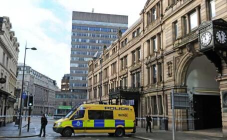 Alerta cu bomba la Liverpool. Politistii au inconjurat o cladire din centrul orasului unde s-a baricadat un barbat