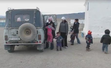 Masina de teren in care au incaput 35 de copii si 3 adulti. Imaginile care au adunat peste 2 milioane de vizualizari. VIDEO