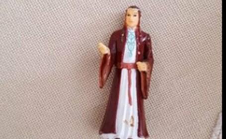 O batrana s-a rugat ani de zile la o figurina a elfului Elrond din \