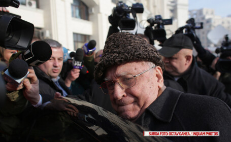 Ion Iliescu iese de la parchetul general