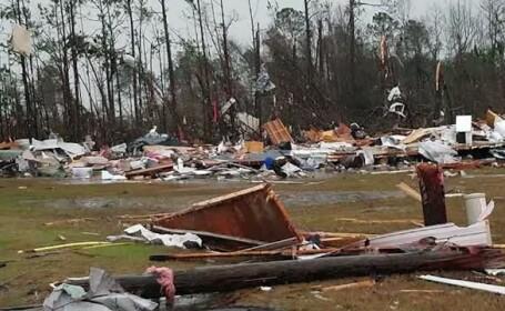 Sudul Statelor Unite, maturat de furtuni violente si tornade. 14 morti in Georgia, unde a fost decretata stare de urgenta