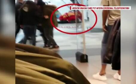 O femeie a murit intr-un mall din Bucuresti, dupa ce a cazut de pe scara rulanta peste balustrada. Ipotezele politiei