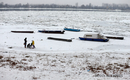 Dunarea inghetata in Serbia