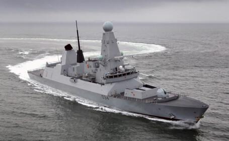 distrugatorul britanic HMS DIamond