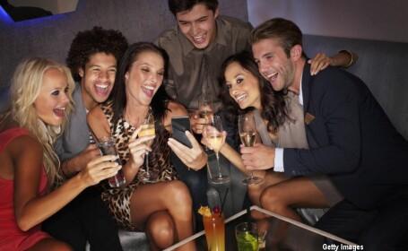 prieteni in club