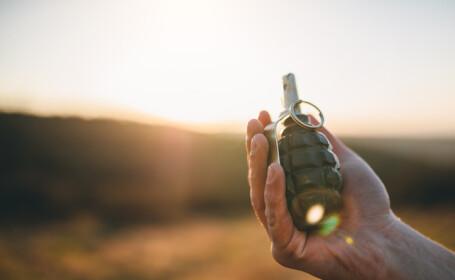 Un soldat a scăpat, din greșeală, o grenadă care avea cuiul de siguranță scos. VIDEO