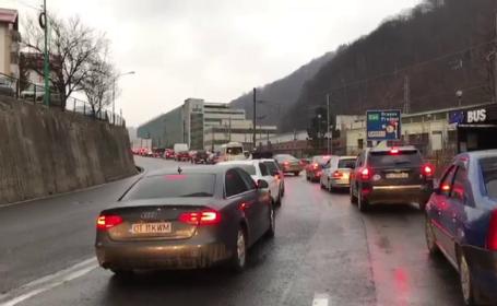 Trafic aglomerat pe DN1, spre Brașov. Se circulă cu 30 de kilometri la oră