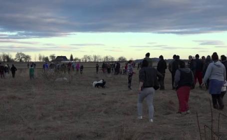 Ipoteza anchetatorilor privind moartea copilului de 2 ani din Suceava, găsit mort pe câmp