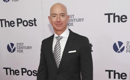Jeff Bezos, patronul Amazon, a devenit \