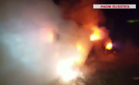 Mașină în flăcări, în Bistrița-Năsăud. Proprietarii spun că este vorba de o mână criminală