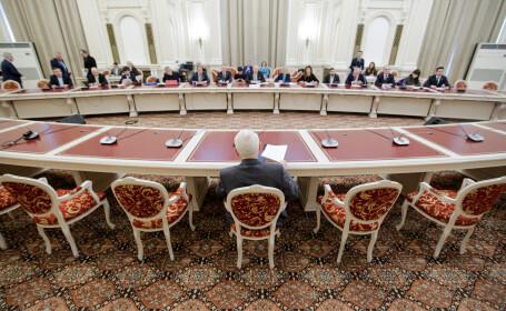 Teodor Melescanu, ministrul de Externe propus, este audiat in comisia parlamentara
