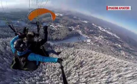 Experiențe inedite pentru turisți, la Brașov. Sumele plătite pentru zborul cu parapanta