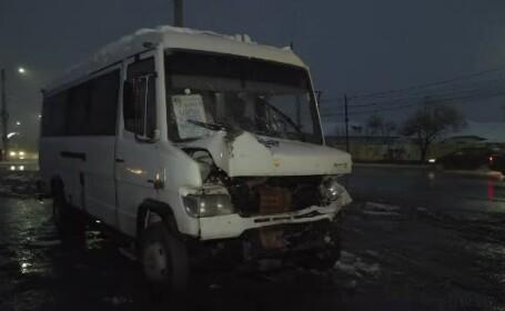Accident grav pe DN1 între un microbuz şi o autoutilitară. Sunt 3 răniţi