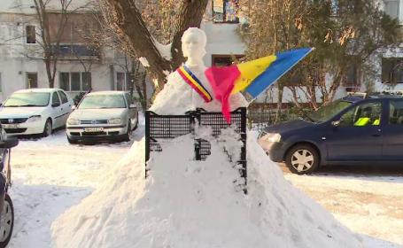 Tradiția pornită de un sculptor amator în gheață. Cum îl celebrează pe Eminescu