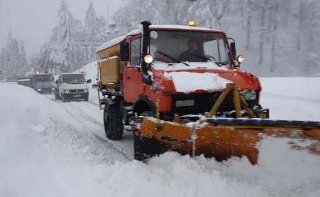 Cod portocaliu de ninsori în 4 județe. Șoferii, avertizați să nu circule pe anumite drumuri