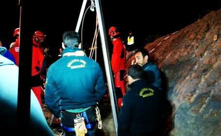 Operațiune amplă pentru salvarea unui copil blocat de 3 zile într-un puț, în Spania