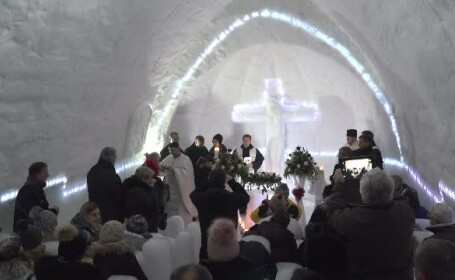 S-a deschis biserica de gheață de la Bâlea Lac. 75 de oameni pot încăpea în ea