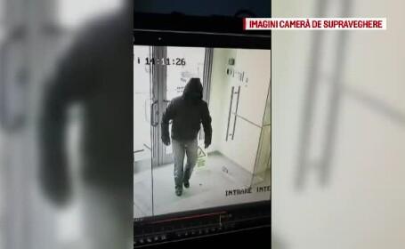 Imagini cu hoțul care a jefuit o bancă din Craiova. A furat 20.000 de lei