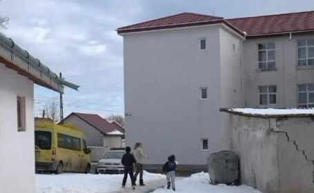 Primarul care a construit un WC de 87.000 euro, pe 3 ETAJE. De ce nu poate fi folosit