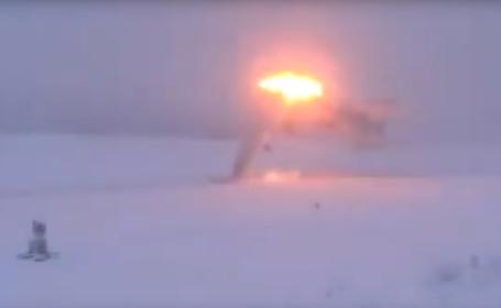 Momentul în care un bombardier rusesc supersonic s-a prăbușit, filmat. VIDEO