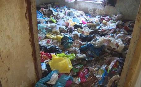 Apartamentul groazei, cu șobolani și tone de gunoaie. Imagini șocante filmate