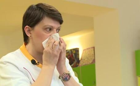 Lecții de protecție împotriva gripei. De ce e greșit să tușim cu mâna la gură