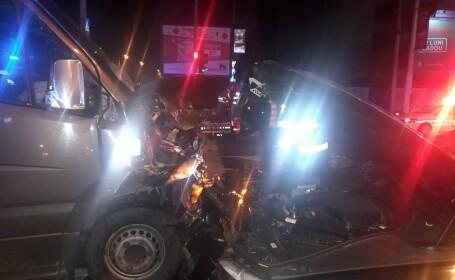 Accident rutier grav în Capitală. 21 de persoane, în maşinile implicate