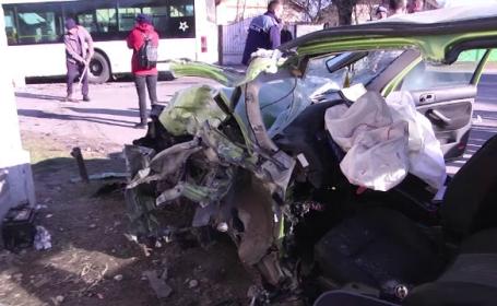 Impact devastator după o depășire periculoasă, în Dâmbovița