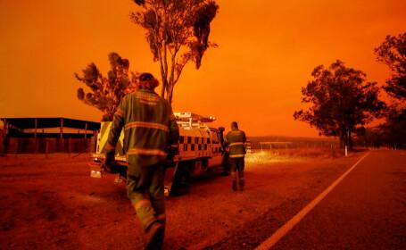 Evacuări în masă, în Australia. Incendiile s-ar putea intensifica