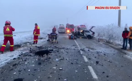 Impact frontal între două mașini, în județul Brașov