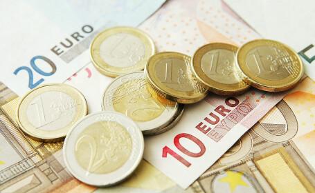 Ajutor de un miliard de euro pentru firmele afectate de situaţia globală