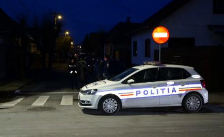 Petrecere în fața unui bloc din Botoșani. 6 persoane, sancționate de autorități