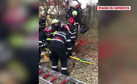 Operațiune de salvare dificilă în Dâmbovița. O femeie a căzut într-o fântână de 12 metri