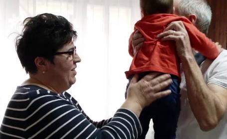 Cât câștigă un asistent maternal în România