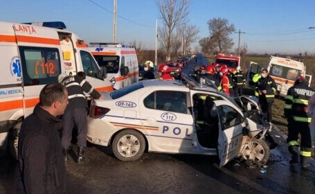 Accident grav în Olt, cu o maşină de poliţie şi o ambulanţă. Interveniseră la același caz