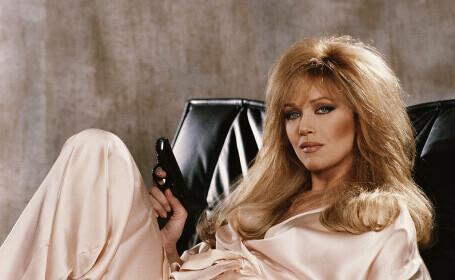 Tanya Roberts, starul Bond Girl, a murit în ajunul Crăciunului. S-a prăbușit după ce și-a plimbat câinii
