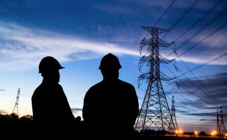 Furnizori de energie, amendați cu peste 2 milioane de lei pentru nerespectarea legislaţiei în contextul liberalizării