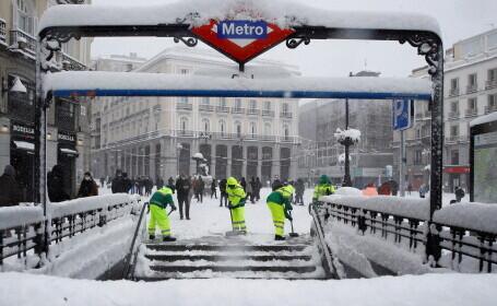 Ninsoarea-record din Madrid a provocat daune de 1,7 miliarde de dolari