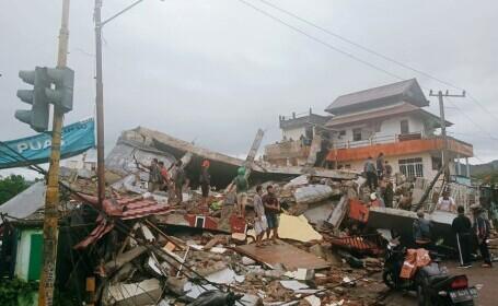 Cutremur de 6,2 în insula indoneziană Sulawesi. Cel puţin 34 de oameni au murit
