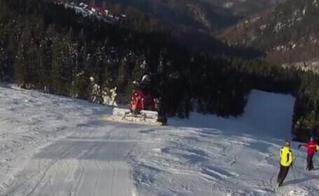 Straja, stațiunea unde se poate schia pe un munte întreg. Este plină de turiști, acum în sezon