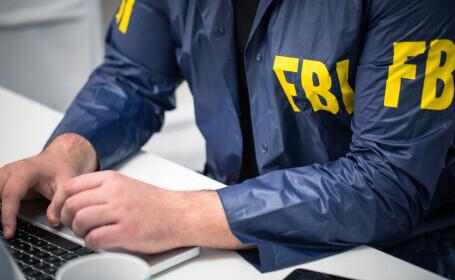 FBI: Mandat de arestare pentru o femeie care ar fi furat laptopul lui Nancy Pelosi din Capitoliu, pentru a-l vinde Rusiei