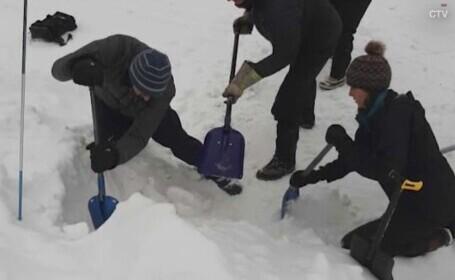 Un adolescent rătăcit în zăpezile din Canada s-a salvat în mod uimitor. Ce a făcut să supraviețuiască